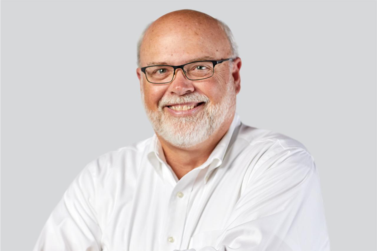 Headshot of MacGuire & Crawford employee Phil Leonard